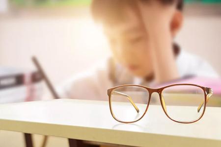戴眼镜会不会让近视度数加深越来越快?