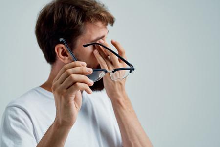 干眼症用眼药水能治好吗?