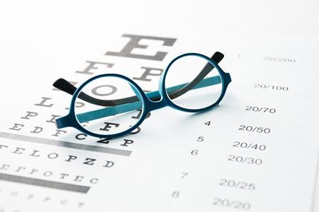 做完近视手术后为什么要多次复查?