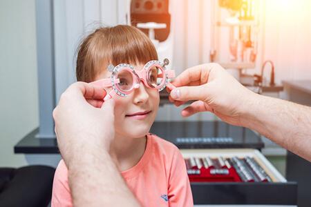 近视配了眼镜但不经常戴度数会加深吗?