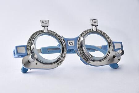 合肥眼科医院配一副矫正视力眼镜要多少钱?