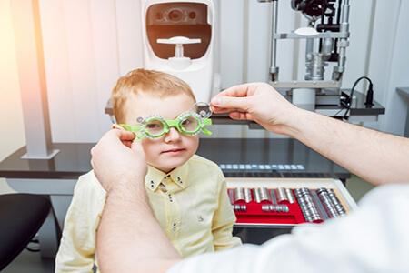 十一岁小孩近视眼应怎样治疗?这几点家长务必注意!