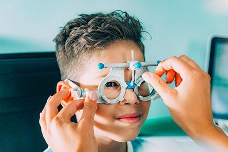 说说角膜塑形镜的利与弊,真的可以戴角膜塑形镜嘛?
