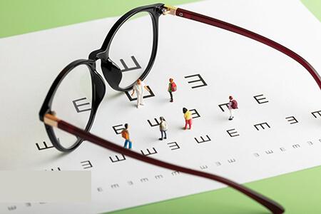 眼镜多久换一次比较好?答案没想到