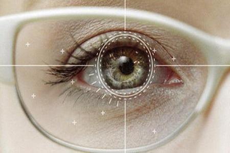 全飞秒近视手术对散光有用吗?可以治疗散光吗?
