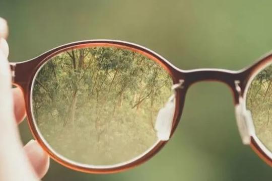 离焦眼镜需要一直带吗?