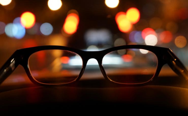晶体的近视手术多少钱?