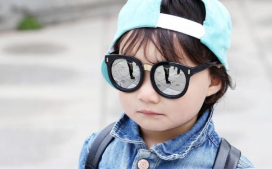 儿童近视智能眼镜价格影响因素介绍
