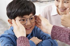 小孩矫正视力眼镜有用吗?