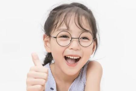 青少年眼睛散光眼怎么办?如何恢复视力?