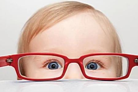 戴离焦镜片看远清楚,看近模糊是什么原因?