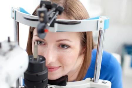 可以一只眼ICL晶体植入,一只眼近视激光手术嘛?