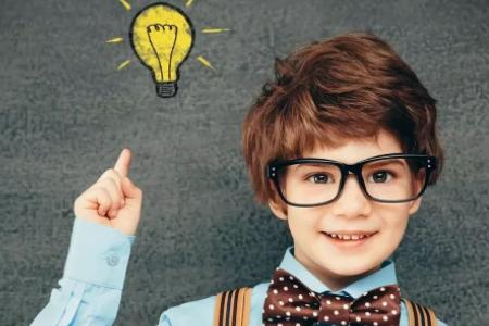 除了电子产品,还有什么原因会导致青少年眼睛近视?