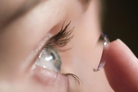 眼睛戴角膜塑形镜就不用戴眼镜了吧