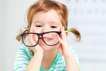 用离焦的眼镜四周视物都是不清楚的吗?